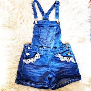 Super cute shorts overalls